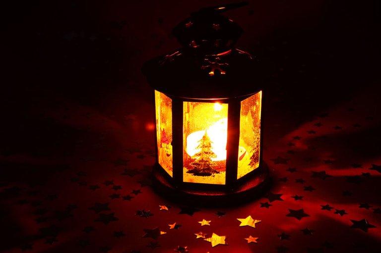 lantern_rj.jpg