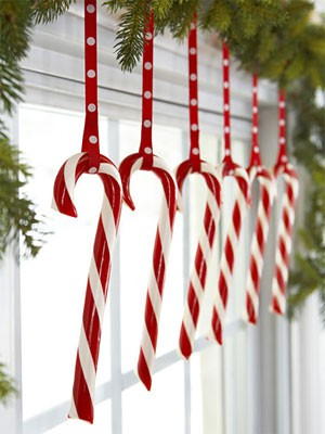 Christmas-decorating-candy-canes.jpg