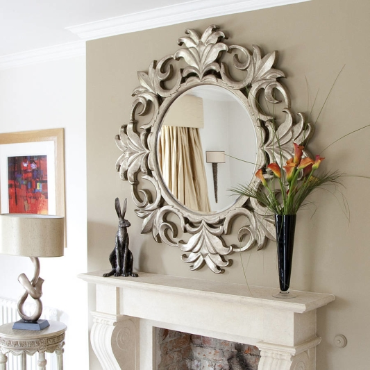 round-wall-mirrors-decorative-living-rooms-decorative-wall-mirrors-for-living-room-image.jpg