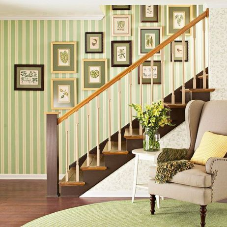 green-wall-for-stairs