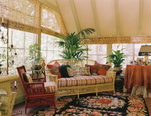 indoor-wicker-furniture-Sunroom-Traditional-with-area-rug-bamboo-shades