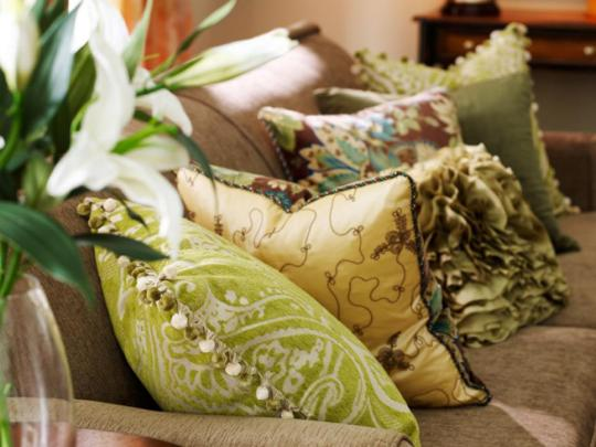 RX-Pier-One_05-Several-pillows-on-couch_s4x3.jpg.rend.hgtvcom.966.725