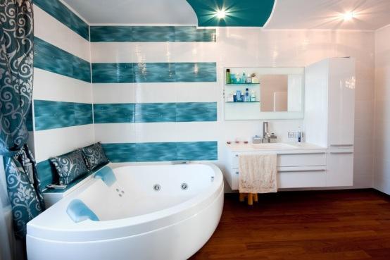 jet-bathtub-in-bath-with-blue-horizontal-stripes
