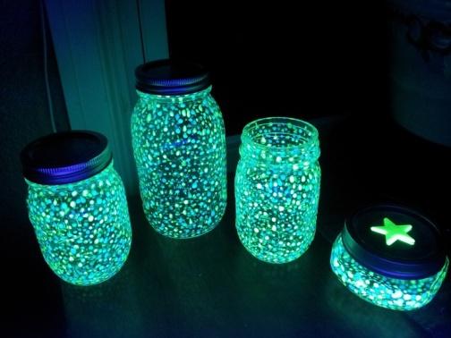 diy-fairy-glow-jars-ulle-jar-glow-sticks-group.jpg
